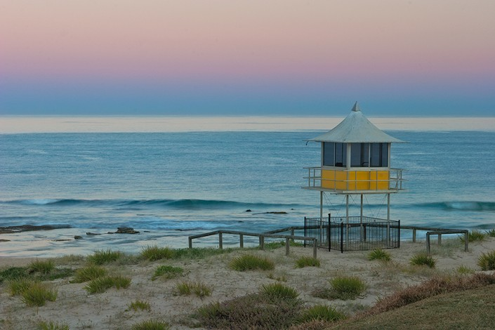 Andrew Barnes Landscape Photography - The Entrance Surf Hut at Dusk