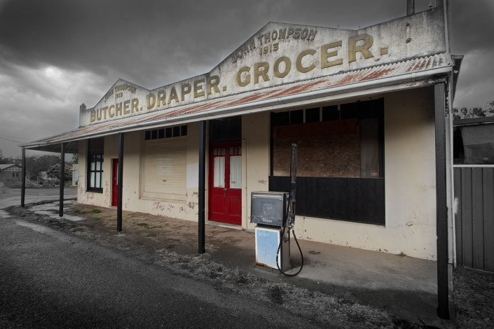 Andrew Barnes Landscape Photography - Lue Service Station - Outback Photography