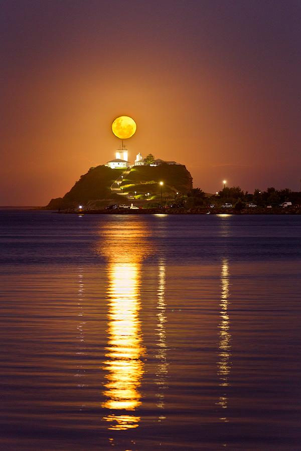 Noobys Head, Nobbys Lighthouse